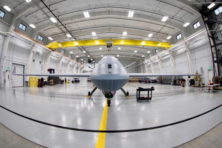 MQ-9B RPA、General Atomics Aeronautical Systems、正面クローズ
